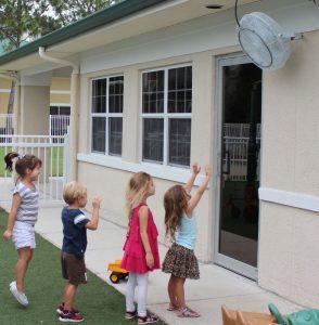 wall-mounted-misting-fan